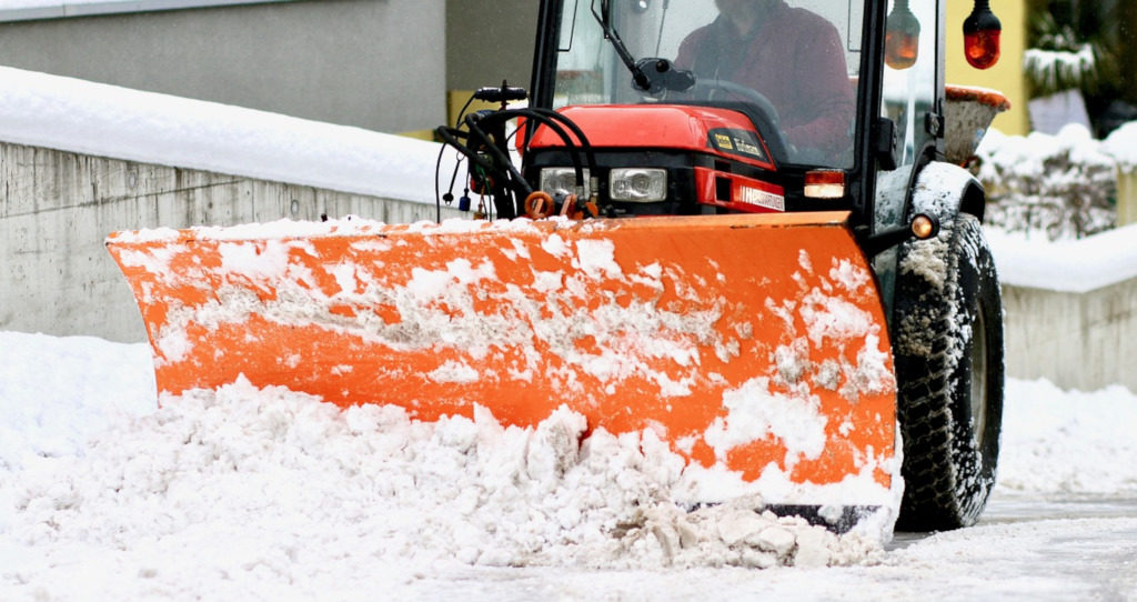 snow-plowing-1024x542